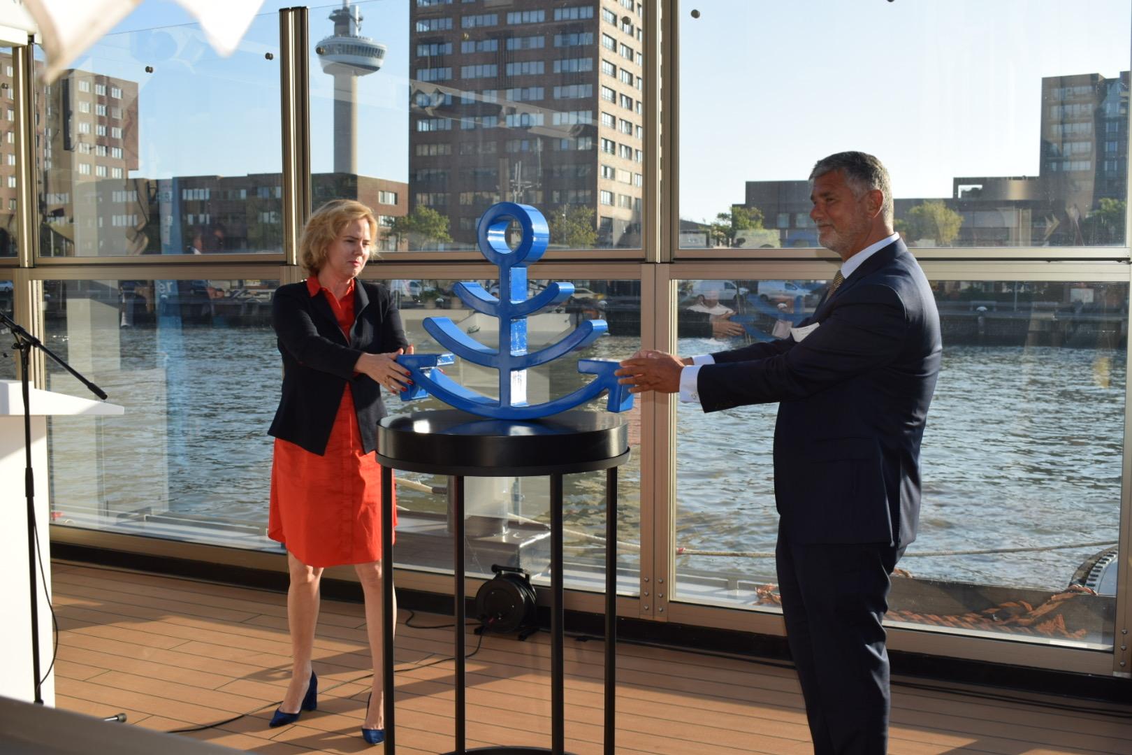Minister van Nieuwenhuizen (IenW) geeft startsein Nederlands Forum Smart Shipping